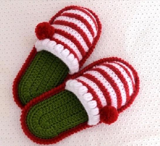 Crochet-Christmas-Slippers crochet last-minute gift