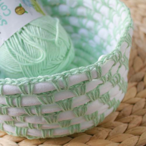 #8 Recycle T-Shirt Crochet Basket