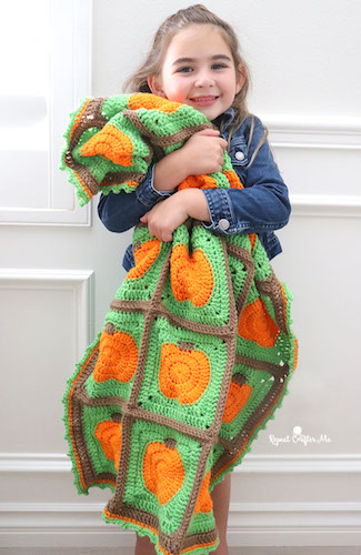 Pattern: Crochet Pumpkin Patch Blanket from Repeat Crafter Me