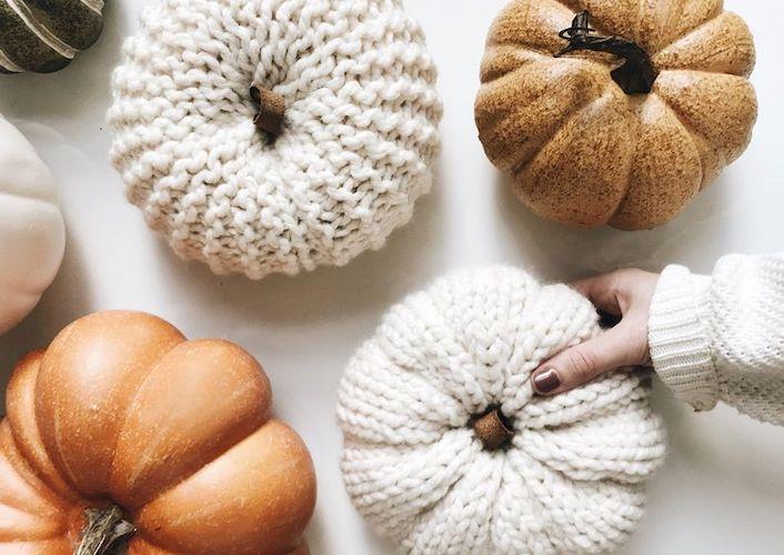 Pattern: Knit Pumpkins from DeBrosse