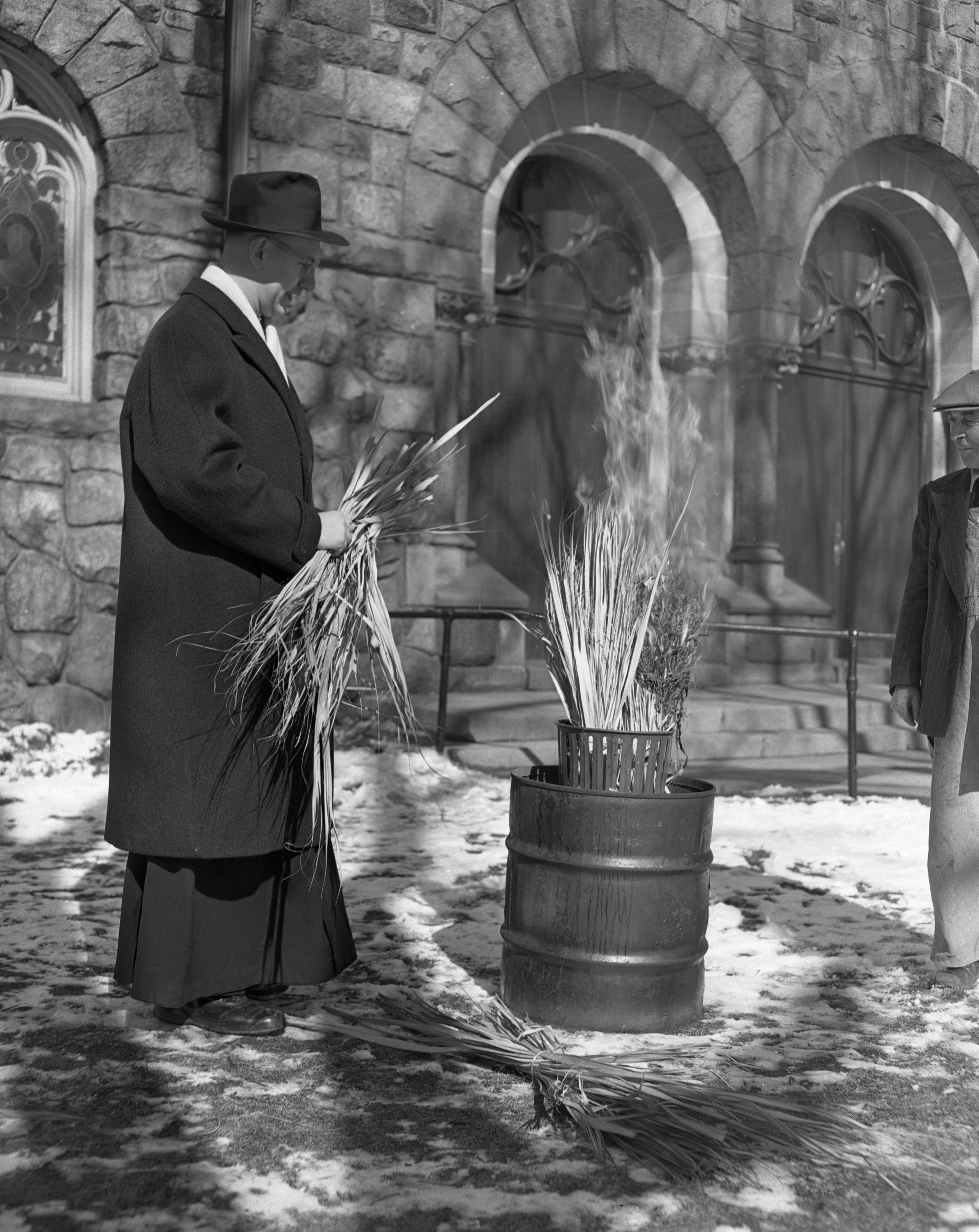 Burning Palms For Ash Wednesday St Thomas Catholic