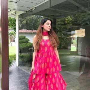 Aakarsha Voguish Women Kurta Sets
