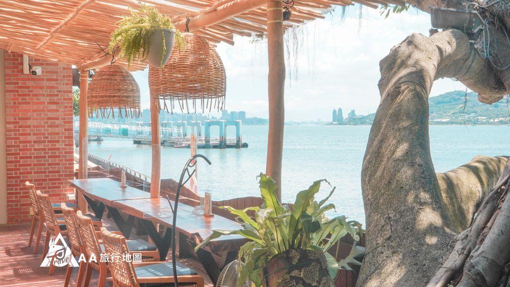 水灣餐廳榕堤雙人戶外區另外一邊的景色