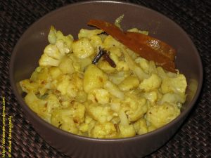 Alu Phool Kopir Dalna or Bengali Cauliflower and Potato Curry