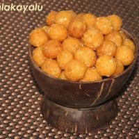 Palakayalu - Crispy Rice Flour Balls - Krishna Janmashtami or Gokulashtami Special