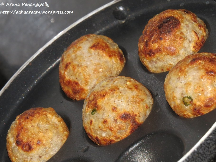 Sabudana Vada - Low Oil Version in Appam, Appe, Paniyaram or Ebelskiver Pan