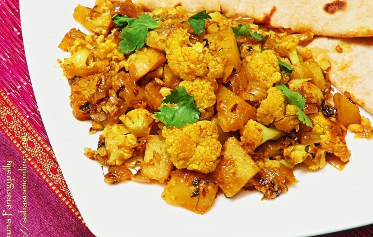 Punjabi Aloo Gobi - Cauliflower and Potato Curry