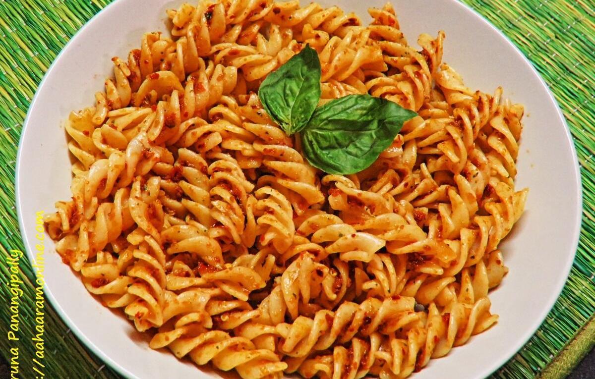 Pasta with Sun-dried Tomato Basil Pesto