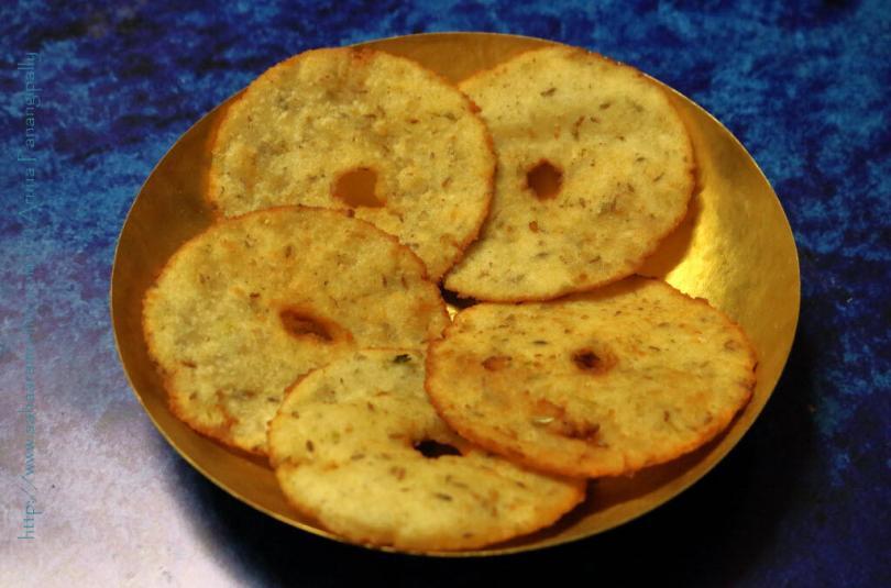 Andhra Kobbari Garelu    Rice Flour & Coconut Vada   Thenga Vada