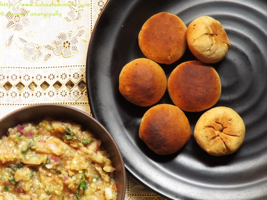 Bihari Litti Chokha | Baked, Stuffed Wheat Flour Balls Stuffed with a Spiced Mash of Potato, Aubergine, and Tomato