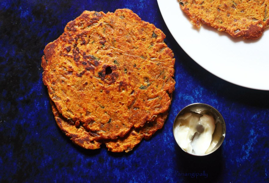 Vangyache Thalipeeth with butter