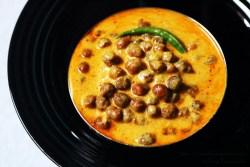 Rajasthani Kala Chana Kadhi: Whole Bengal Gram in a Yogurt gravy