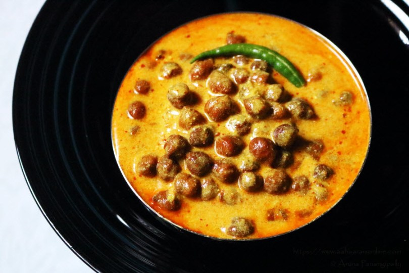 Rajasthani Kala Chana Kadhi: Whole Bengal Gram in a Yogurt gravy