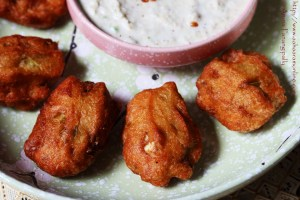 Gummadikaya Pachi Vadiyalu | Andhra Medu Vada with Ash Gourd