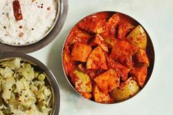 Mavinakayi Uppinakayi is a no-oil, water-based Mango Pickle. It is similar to the Paniwala Aam ka Achar