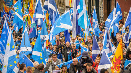 Thousands of Scottish independence supporters marched through Edinburgh, UK, October 5, 2019 © Stewart Kirby/ZUMAPRESS.com/Global Look Press