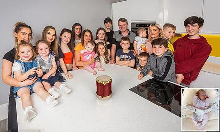 برطانیہ: 34 سالہ خاتون کے ہاں 20ویں بچے کی پیدائش، ملک کا سب سے بڑا خاندان قرار