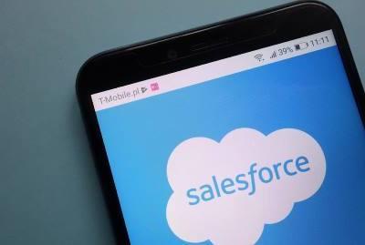 کاروباری تعلقات کو منظم کرنے والی ٹیکنالوجی کمپنی سیلزفورس نے بھی تشدد کے نام پر ریپبلک کی چندے کی ای میل روک دی