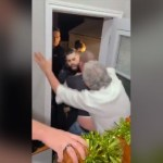 کینیڈا پولیس کا کورونا تالہ بندی کے دوران دعوت اُڑانے والے گھر پر چھاپہ: مہمانوں کو گھسیٹتے ہوئے گرفتار کرلیا، بدتہذیبی کی ویڈیو انٹرنیٹ پر آںدھی کی طرح پھیل گئی
