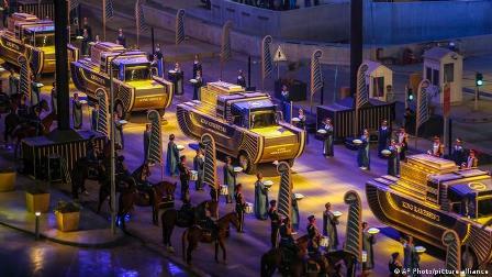مصر: فوجی حکومت نے فراعین کی خنوط شدہ لاشیں پرشکوہ تقریب میں نئے عجائب گھر منتقل کر دیں