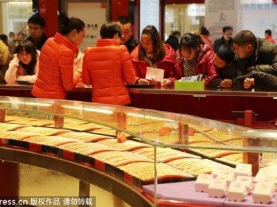 چین کی سونے کی طلب: دو ماہ میں ساڈھے 8 ارب ڈالر مالیت کا سونا چین منتقل ہو گا