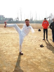 Arm less cricketer