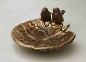 Fuglebad_aakandeblad_Havedekoration_bronzedekoration_gravsten_bronzefigur