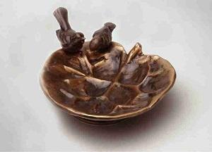 Fuglebad_aakandeblad_lille_Havedekoration_bronzedekoration_gravsten_bronzefigur