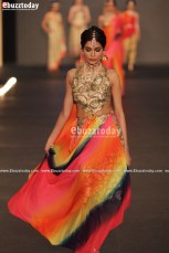 SAAI-by-Sahar-Atif-pfdc-loreal-laris-bridal-week-2013-25