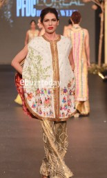 Sania-Mastakiya-PFDC-paris-bridal-week-2013-45
