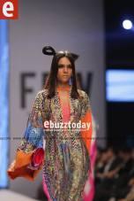 Tapu-Javeri-Fashion-Pakistan-Week-Season-6-fpw2014-ebuzztoday-75