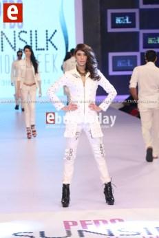 Arslan-Iqbal-PFDC-sunsilk-fashion-week-PSFW2014-ebuzztoday-68
