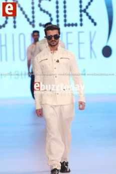 Arslan-Iqbal-PFDC-sunsilk-fashion-week-PSFW2014-ebuzztoday-76
