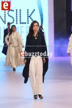 Arslan-Iqbal-PFDC-sunsilk-fashion-week-PSFW2014-ebuzztoday-84