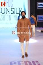 Breeze-am-PFDC-sunsilk-fashion-week-PSFW2014-Ebuzztoday-77