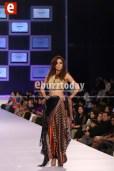 Shehla-Chatoor-pfdc-sunsilk-fashion-week-psfw2014-ebuzztoday-4