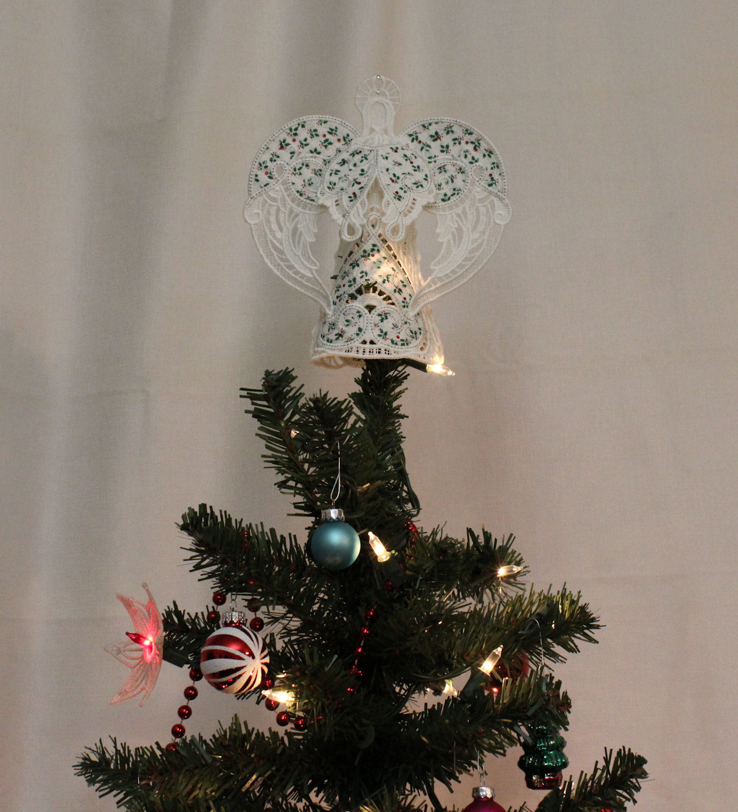 Christmas Holly Tree.Christmas Holly Angel Angel Tree Topper