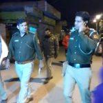 नत्थूपुरा (थाना स्वरूप नगर) में ज्वेलरी शोरूम में दिन दहाड़े लूट। स्थानीय लोग पुलिस से नाराज।