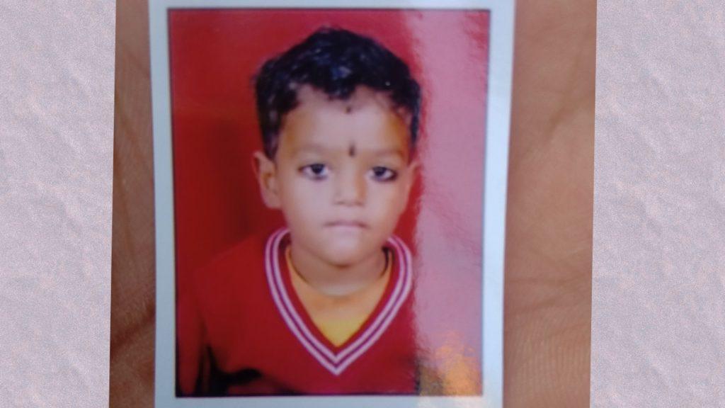 दिल्ली के भलस्वा डेरी थाना एरिया के मुकुंदपुर इलाके में 7 साल के बच्चे की हुई दर्दनाक मौत।