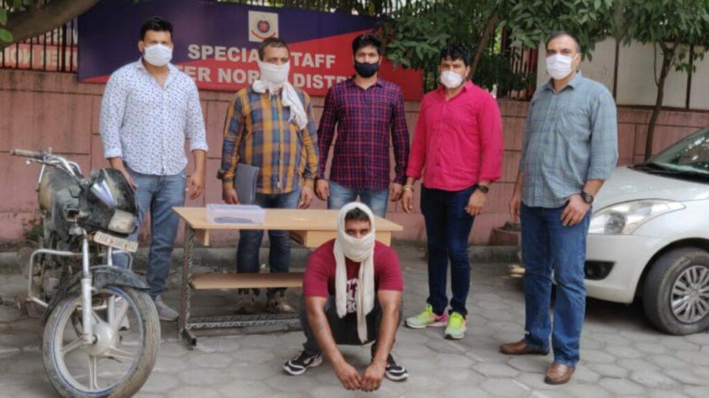 पुलिस ने एक करोड़ की रंगदारी मांगने वाले पहलवान को किया गिरफ्तार।