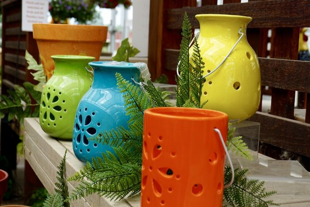 colored pots