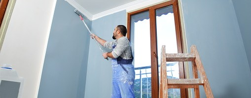How Painters in Bangalore Achieve an Injury Free Painting