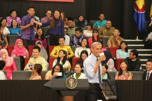 President Barack Obama hosts the Young Southeast Asian Leaders Initiave (YSEALI) Town Hall event at Taylor's University Lakeside Campus. More than 500 YSEALI young leaders from across 10 ASEAN countries attended the town hall. 11/22/2015 (US State Dept. photo)
