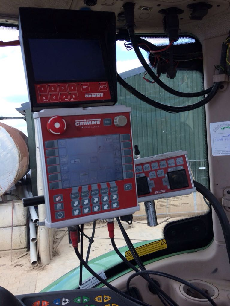 Grimme SE 150-60 NB XXL Grimme monitor met drie camera's