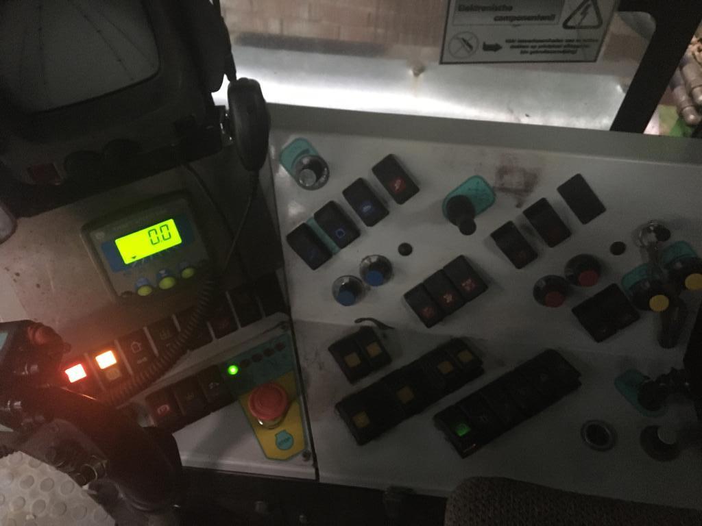 AVR Mistral uit 2002 dashboard