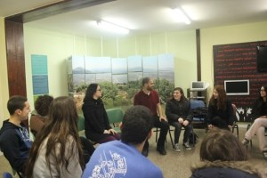 High school students from Carmiel discuss the coexistence exhibit with a guide. Since its opening last month, 200 students have visited the exhibit.