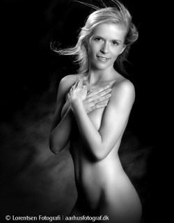 nude-model-26314-220