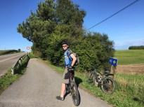 navia-cycling-on-camino