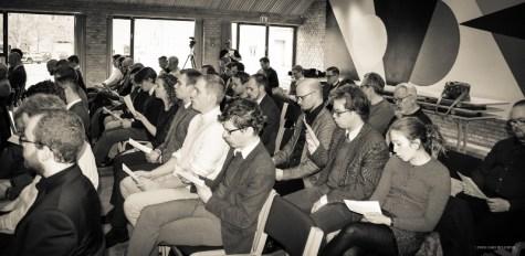 """Der synges traditionen tro til Årsskriftet Critiques konferencer. Her """"Som en rejselysten flåde"""""""