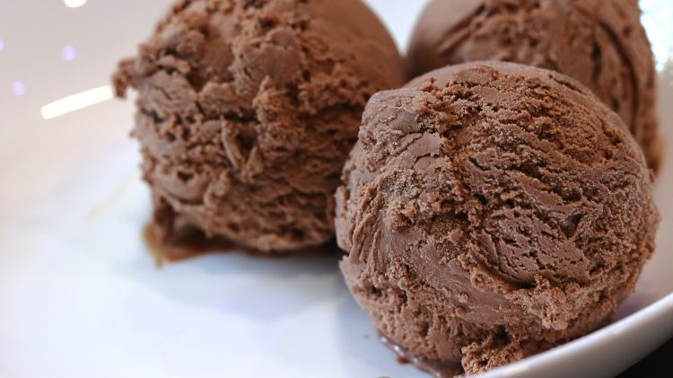 chocolate ice cream recipe with dairy milk silk